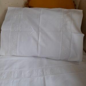 conjunto-lencois-bordado-branco-crisa-140x70-nacional-4