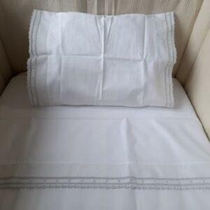 crisa-nacional-conjunto-lencois-bordado-cinza-140x70-2