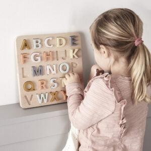 kids-concept-puzzle-abecedario-