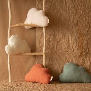 cloud-cushion-toffee-sweet-dots-eden-green-nobodinoz-1