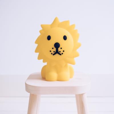 leão-luz-presença-iluminacao-crianca-silicone