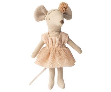 dance-mouse-big-sister-giselle