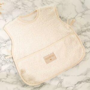 so-cute-baby-apron-natural-nobodinoz-babete-3